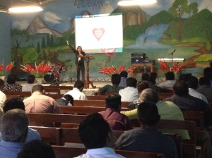Presenting AMO® at a regional meeting of church leaders in Oaxaca