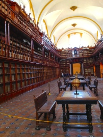 Biblioteca Palafoxiana of Puebla, the first public library in Mexico, founded in 1646
