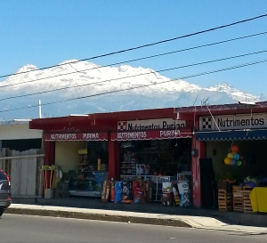 Iztaccihuatl from street
